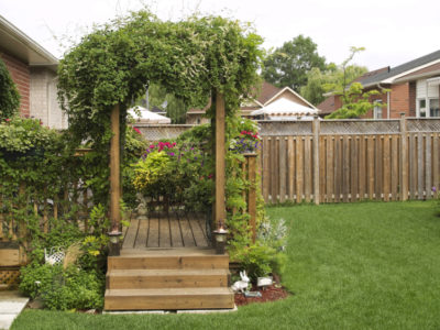 2017 Trends: Use Fencing to Turn Your Garden into an Outdoor Room
