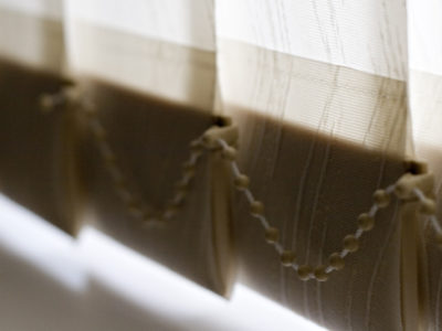 4 Top Pros and Cons to Vertical Blinds