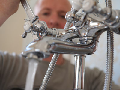 6 Signs of Leaking Taps or Pipes in Your Home