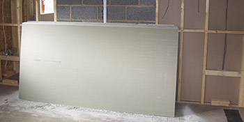 Plasterboard dry lining